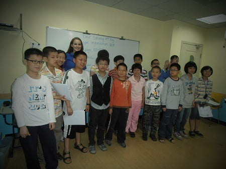 Amanda Sinclair with students in Fuzhou China 3